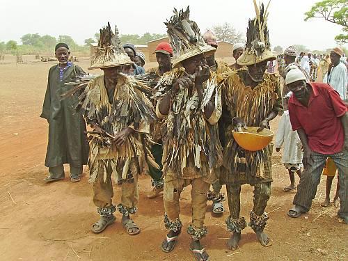 Les Korèduga de Koumantou en procession