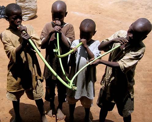 Children learn using Pawpaw stalks