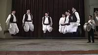 During this dance in Bihor (Borod) and Zarand (Șicula), the men dance solo with beats on the ground, ponturi, spurs, finger snaps, hand slaps in contretemps, leaps vertically and by leaping similar to scissoring in a fast tempo