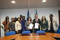 Host country agreement for 10 COM signed!