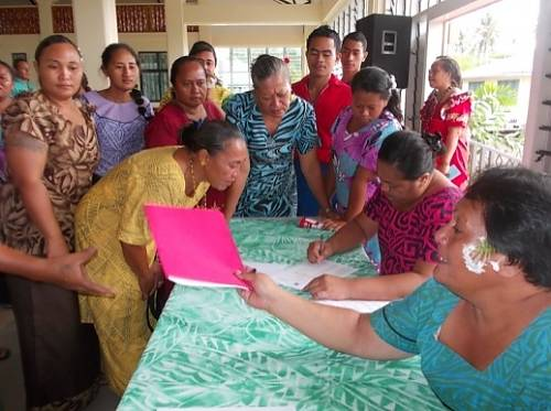 Samoan learning how to inventory intangible cultural heritage