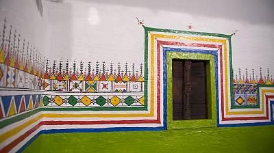 Resultado de imagen para Decoración mural tradicional de las mujeres de Asir