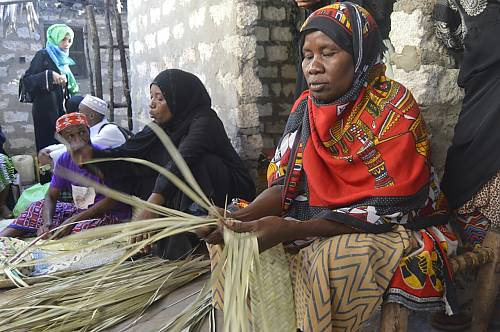 Maendeleo Nuru Ali Jumaa Women's Group from Matondoni in Lamu engaged in the art of weaving – Kushuka shupatu - an aspect of Lamu's intangible cultural heritage being inventoried as part of a UNESCO project in Kenya.
