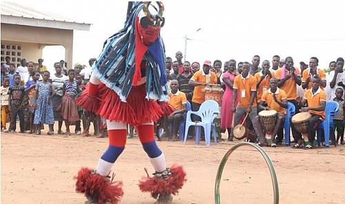 Zaouli popular music and dance of the Guro communities in Côte d'Ivoire