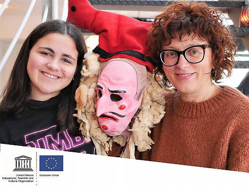 Sara and her teacher Sabela during a UNESCO/European Union workshop on how to teach and learn with living heritage