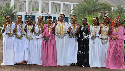Young women dancing the dabbal and singing the Malabo, Djibouti